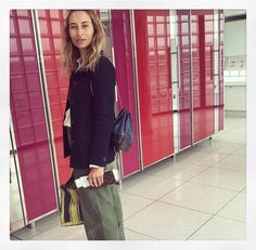 """1,058 mentions J'aime, 18 commentaires - Alexandra Golovanoff (@alexandragolovanoff) sur Instagram : """"Hop hop ✈️hop : """" Mademoiselle, Minimalist Fashion, Cool Photos, Duster Coat, Dresses For Work, Street Style, My Style, Inspiration, Outfits"""