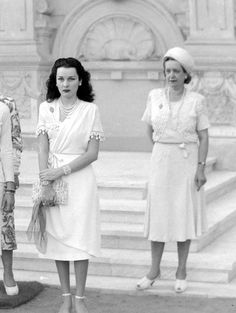 HRH Princess Fawzia leaving Qubba Palace after a Modern Woman Association meeting, Egyptian Beauty, Egyptian Women, Vintage Glamour, Vintage Beauty, Vintage Style, Arab Celebrities, Celebs, Fawzia Fuad Of Egypt, Pahlavi Dynasty