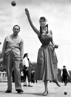 Brigitte Bardot playing pétanque, Cannes 1953 ¼