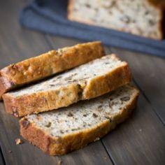 the moist-est banana nut loaf! Banana Walnut Bread, Banana Nut, Banana Bread Recipes, Nut Loaf, Loaf Pan, Slow Cooker, Smoothie, Yummy Treats, Yummy Food