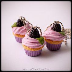 colar mini cupcake de amora - trocadilhos no parque#cute #sweet #bijoux #jewelry #foodminiature #polymer clay #amora #cupcake #blueberry