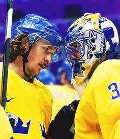 Carl Hagelin and Henrik Lundqvist #Sochi2014 (brianboyler / Tumblr)
