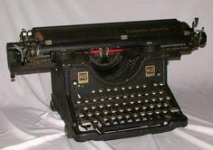Una maquina de escribir de principio de siglo.