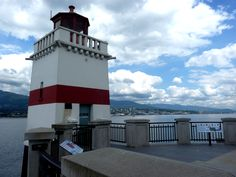 Description Lighthouse on the tip of Stanley Park, Vancouver -a.jpg
