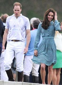 Wills and Kate | blue button dress