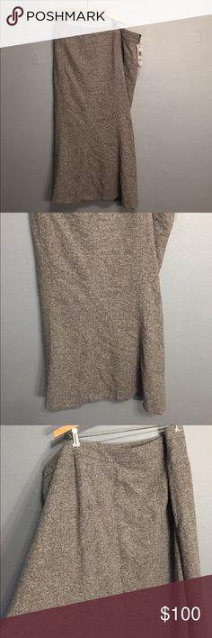 "Jones New York Gray wool skirt Gray wool skirt  with 100% polyester lining 44""waist, 37 1/2""length #A Jones New York Skirts"