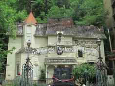 Mysterious Mansion, Gatlinburg Tennessee.  I need to check this out.