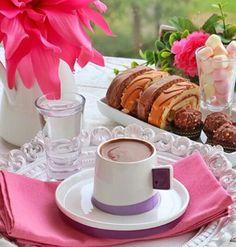 . Coffee Vs Tea, I Love Coffee, Good Morning Coffee, Coffee Break, Turkish Coffee Cups, Coffee Cookies, Coffee Plant, Breakfast Tea, Coffee Pictures