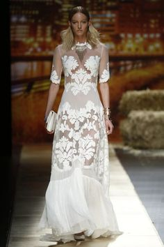 Spanish Bridal Designers to know and love - Inmaculada García