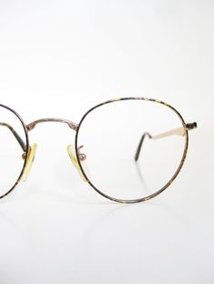 Vintage 1980s Round Eyeglasses Womens P3 Frames Glasses Optical Tortoiseshell Gold Metallic Shiny Deadstock 80s Eighties Wire Rim Minimalist