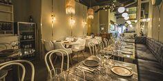 Este restaurante situado en la calle que da nombre al local, renueva su imagen con Madrid In Love. El Escondite de Villanueva, elegante y acogedor.