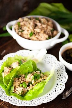 These Asian chicken lettuce wraps are low carb and filled with cauliflower fried rice. They're hearty and filling and just the perfect low carb Chinese food when you're really craving take out. #asianchickenlettucewraps #lowcarb Asian Chicken Lettuce Wraps, Chicken Wraps, Chicken Salad, Cooked Chicken, Keto Chicken, Low Carb Chinese Food, Asian Recipes, Healthy Recipes, Healthy Foods