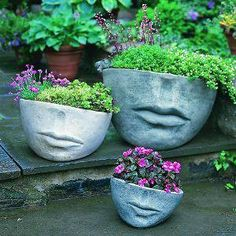 macetas con forma de medio rostro