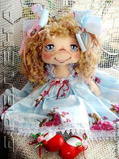 Текстильная кукла Ниночка 2 - голубой,интерьерная кукла,подарок маме,подарок бабушке Rag Dolls, Fabric Dolls, Sock Animals, Doll Face, Doll Patterns, Beautiful Dolls, Doll Clothes, Angeles, Quilts
