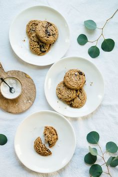 Maple Pecan Butter Chocolate Chip Cookies (GF & V) | dolly and oatmeal