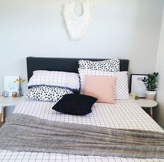 Black and pink es gems home bedroom decor Home Bedroom, Bedroom Decor, Bedrooms, Closet Bedroom, Teen Bedroom, Bedroom Inspo, Bedroom Ideas, Kmart Home, Sweet Home