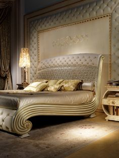 Vanity bed, Luxurious lacquered bed, quilted headboard and footboard Modern Luxury Bedroom, Luxury Bedroom Furniture, Luxury Bedroom Design, Home Room Design, Master Bedroom Design, Luxurious Bedrooms, Home Decor Bedroom, Bed Back Design, Wood Bed Design