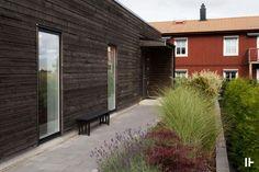 Scandinavian Style, Garden Inspiration, Interior And Exterior, Entrance, Garage Doors, Villa, Pergola, Architecture, Outdoor Decor
