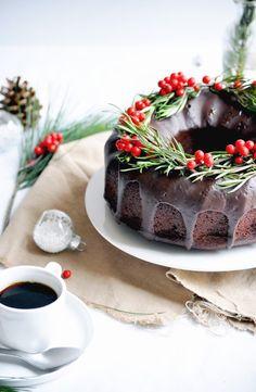 Elodie's Bakery: Chocolate bundt cake with orange and rosemary | Bundt cake au chocolat, à l'orange et au romarin
