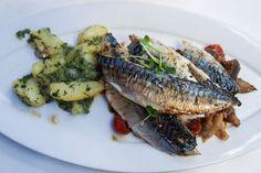 Cafe Ansari - Menü - Makrele (c) STADTBEKANNT - Das Wiener Online Magazin Steak, Food, Meal, Essen, Steaks, Hoods, Meals, Eten, Beef