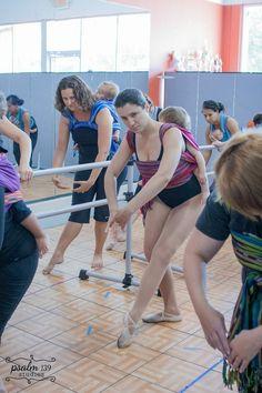 Ballett mit Baby im Tragetuch: First Babywearing Ballet Class