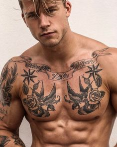 TOP 50 des tatouages ​​pour hommes sexy et masculins - Zukünftige Projekte - Tatouage Torso Tattoos, Body Art Tattoos, Sleeve Tattoos, Hot Guys Tattoos, Tribal Tattoos For Men, Men Tattoos, Mens Tattoos Chest, Best Tattoos For Men, Tattoo Guys