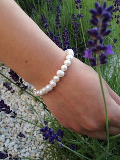 Cultured White freshwater pearls