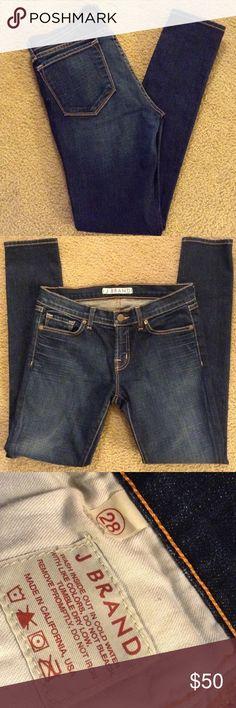 """J brand Low rise Skinny Jeans, sz 28 J brand Low rise Skinny Jeans, sz 28, inseam 29"""", 98% Cotton, 2% Spandex J Brand Jeans Skinny"""