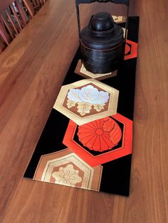 Vintage Japanese Obi Table Runner - Gold, Silver & Tangerine - 110cm x 30cm Japanese Quilt Patterns, Japanese Quilts, Japanese Fabric, Japanese Kimono, Japan Crafts, Japanese Home Decor, Patchwork Cushion, Asian Style, Repurposing