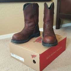 Red Wing Steel Toe Leather Work Boots Dynaforce Authentic! Worn only once!  Original box included! 2249 10-inch pull-on boot. Turbo Vegas Leather Upper, super sole welt construction,  dynaforce insole, horizon super sole outsole, made in USA! Fiberglass shank, non-marking sole, 90 degrees defined sole. MSRP $214.99 Red Wing Shoes Shoes Combat & Moto Boots