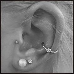This would look so good on my right ear since I already have 2 lobe piercings