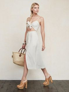 THIS ITEM WILL SHIP JUNE 7th. Remember summer? The Riley Dress is just a lovely thing that can help reacquaint you with warmth. https://www.thereformation.com/products/riley-dress-lassider?utm_source=pinterest&utm_medium=organic&utm_campaign=PinterestOwnedPins