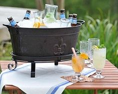 Southern Living at Home: Backyard Party Casino Theme Parties, Party Themes, Party Ideas, Event Ideas, Reception Ideas, Beverage Tub, Beverage Stations, Tin Tub, Picnic Dinner