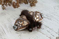 Купить брошь мотылек с норкой - коричневый, брошьмотылек, пушистый, Норка, Брошь из норки, мотылек с норкой