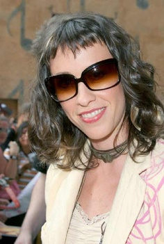Google Image Result for http://www.hollywoodrag.com/images/uploads/alanis__huge_glasses.jpg