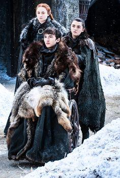 Game of Thrones of War- Sansa, Bran and Arya Stark re-united. Game of Thrones of War- Sansa, Bran and Arya Stark re-united. Dessin Game Of Thrones, Arte Game Of Thrones, Game Of Thrones Facts, Game Of Thrones Funny, Game Of Thrones Characters, Game Of Thrones Sansa, Jon Snow, Isaac Hempstead-wright, Carl The Walking Dead