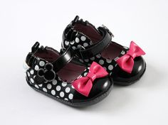 Stride Rite Meets Mickey & Minnie In The Shoe Department Baby Girl Shoes, My Baby Girl, Girls Shoes, Baby Baby, Baby Girls, Sweet Girls, Girly Girl, Toddler Girls, Minnie Mouse