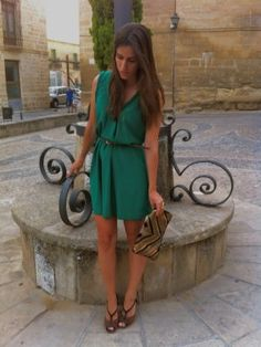 nataliachamps Outfit  chic noche  Verano 2012. Combinar Vestido Verde botella Zara, Tacones-Plataformas Marrón oscuro Bimba