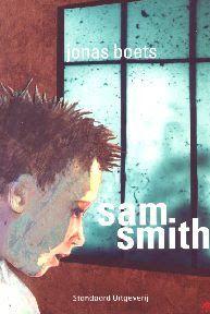 De jongen die je op de kaft van het boek ziet staan is het hoofdpersonage. Zijn naam is Sam Smith. Het hele verhaal draait dus om hem en al zijn avonturen. Hij leefde als een gewone doodsaaie jongen tot als de directeur van de spionnenschool hem had opgevangen en vond dat hij geschikt was voor de school.