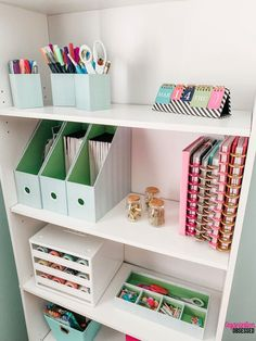 Have too many planner supplies and you have no idea what to do with them? Copy my quick and easy way to organize planner supplies! diy Room decor Easy Tips To Organize Planner Supplies Study Room Decor, Cute Room Decor, Room Ideas Bedroom, Bedroom Decor, Study Rooms, Bedroom Kids, Planer Organisation, Home Office Organization, Home Office Decor