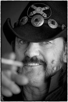 Hoy 24 de diciembre cumple 67 años Lemmy Kilmister EL MAESTRO