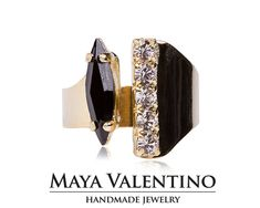 14K Gold ring, Adjustable ring, prom jewelry, daily jewelry, Goldfield ring, Black ring, Crystal ring, Elegant ring, Silver ring, Rose gold.   Details: 1 Black ( Jet ) Marquoise 15x4mm crystals from Swarovski®️️ 5 24pp Clear ( Crystal ) crystals from Swarovski®️️ RIng is open in the middle and adjustable fit any finger.  Absolutely stunning hand bracelets that slip over comfortably. The bracelet is adjustable and fit all.  You can perform custom orders, Please contact via con