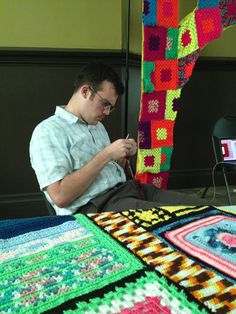 Real men knit bridges Crochet Men, Learn How To Knit, Yarn Bombing, Hand Art, Real Men, Yarn Crafts, Crafts To Make, Pittsburgh, Crocheting