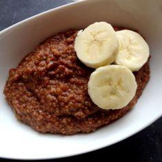 Ik probeer graag nieuwe ontbijtjes uit omdat ik minder brood wil eten. Ik eet al geen tarwebrood meer, maar ik denk dat er genoeg andere, lekkere alternatieven zijn voor een sneetje brood. Ik kwam dit recept voor quinoa als ontbijt tegen. In eerste instantie leek het me een...