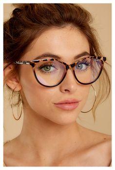 Cute Glasses Frames, Womens Glasses Frames, Cool Glasses, New Glasses, Girls With Glasses, Cat Eye Glasses, Women In Glasses, Trending Glasses Frames, Specs Frames Women