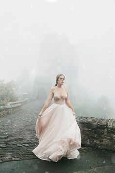 Photographer Wanted To Visit This Castle For More Than 2 Years, And The Photos She Made There Turned Out So Magical And Dreamy Fantasy Photography, Fine Art Photography, Fashion Fotografie, Sophisticated Bride, Character Inspiration, The Dreamers, Fairy Tales, Photoshoot, Vintage Cameras