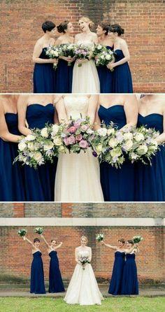 Damas de honor en vestido azul marino