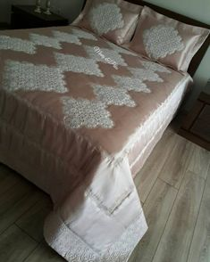 Image may contain: bedroom and indoor Luxury Bed Sheets, Luxury Bedding Sets, Quilted Curtains, Henna Candles, Sewing Stuffed Animals, Crochet Bedspread, Luxury Bedding Collections, Bed Reviews, Antique Quilts