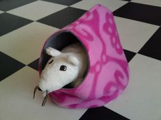 Rat hammock tutorial - Teahouse (site is in Dutch, but photos are easy to follow) #rats #tutorial