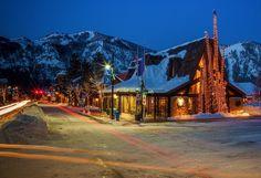 こんなスタバがあるのか!驚くほど独創的な、世界のローカル「スタバ」20選 - Find Travel Ketchum Idaho, Sun Valley, North Dakota, New Hampshire, Rhode Island, West Virginia, Nebraska, Wyoming, Connecticut
